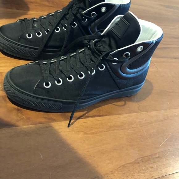 Louis Vuitton Hightop Sprinter Sneaker